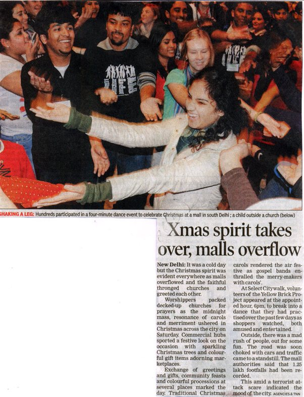 Xmas Spirits Takes Over Malls Overflow-DEC