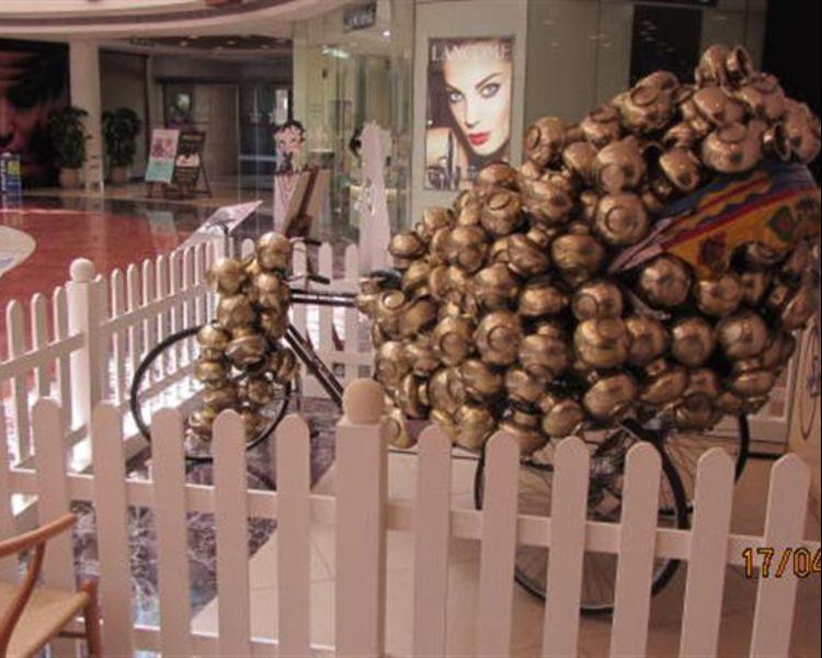 An art installation by Subodh Gupta - Cheap Rice