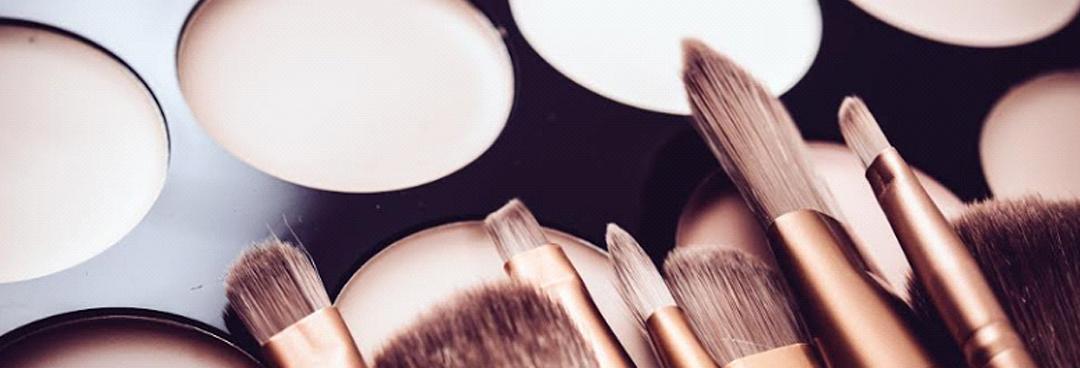 Here's How To Rock The No-Makeup Makeup Look